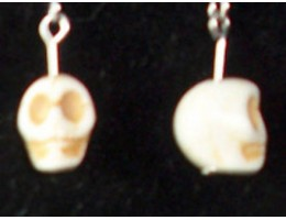 Tiny Skull earrings