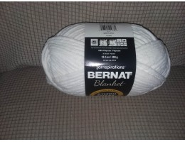 Blanket Yarn - Polyester -  #6 weight (Whipped Cream)